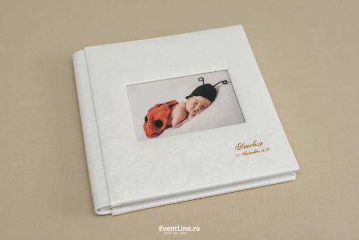 Fotograf si albume foto pentru botez si nou nascuti.