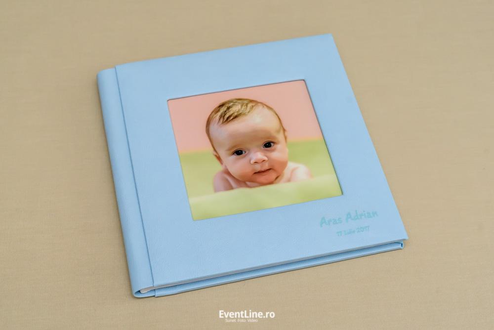 Album foto pentru botez, nou nascut. Fotograf profesionist botez.