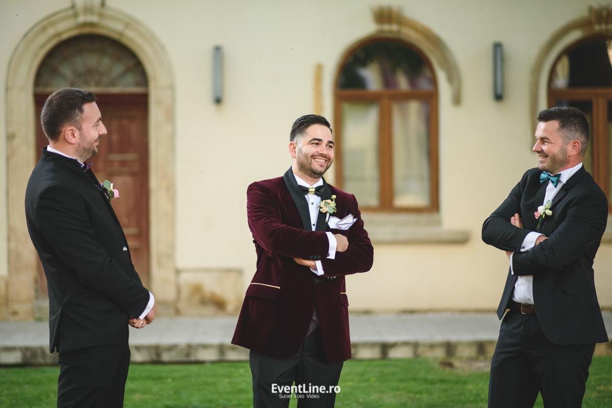 Nunta Baia Mare cu mirele si nasii 35