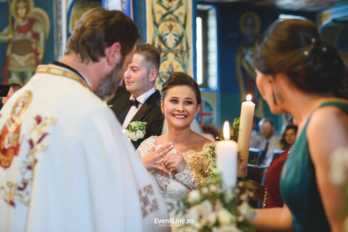 Filmare si fotografie de nunta, cununie religioasa 38